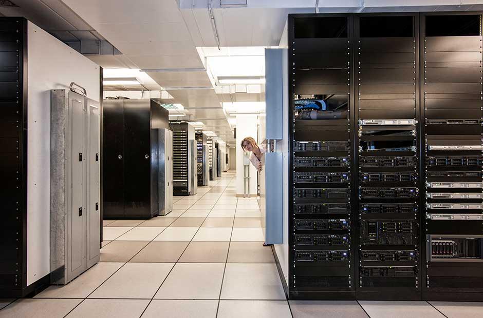 Cloud vs. Server Hosting – Für wen empfiehlt sich was?